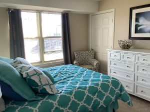 Image Gallery   Charter Senior Living Northpark Place Living Apartment Bedroom