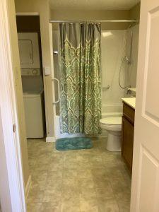 Image Gallery   Charter Senior Living Northpark Place Living Apartment Bathroom