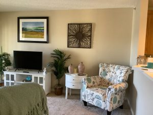 Image Gallery   Charter Senior Living Northpark Place Living Apartment Living Room