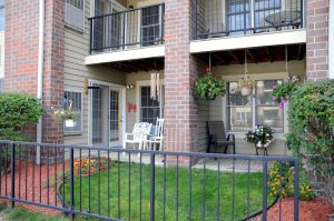 Image Gallery   Independent Living Residence Patio